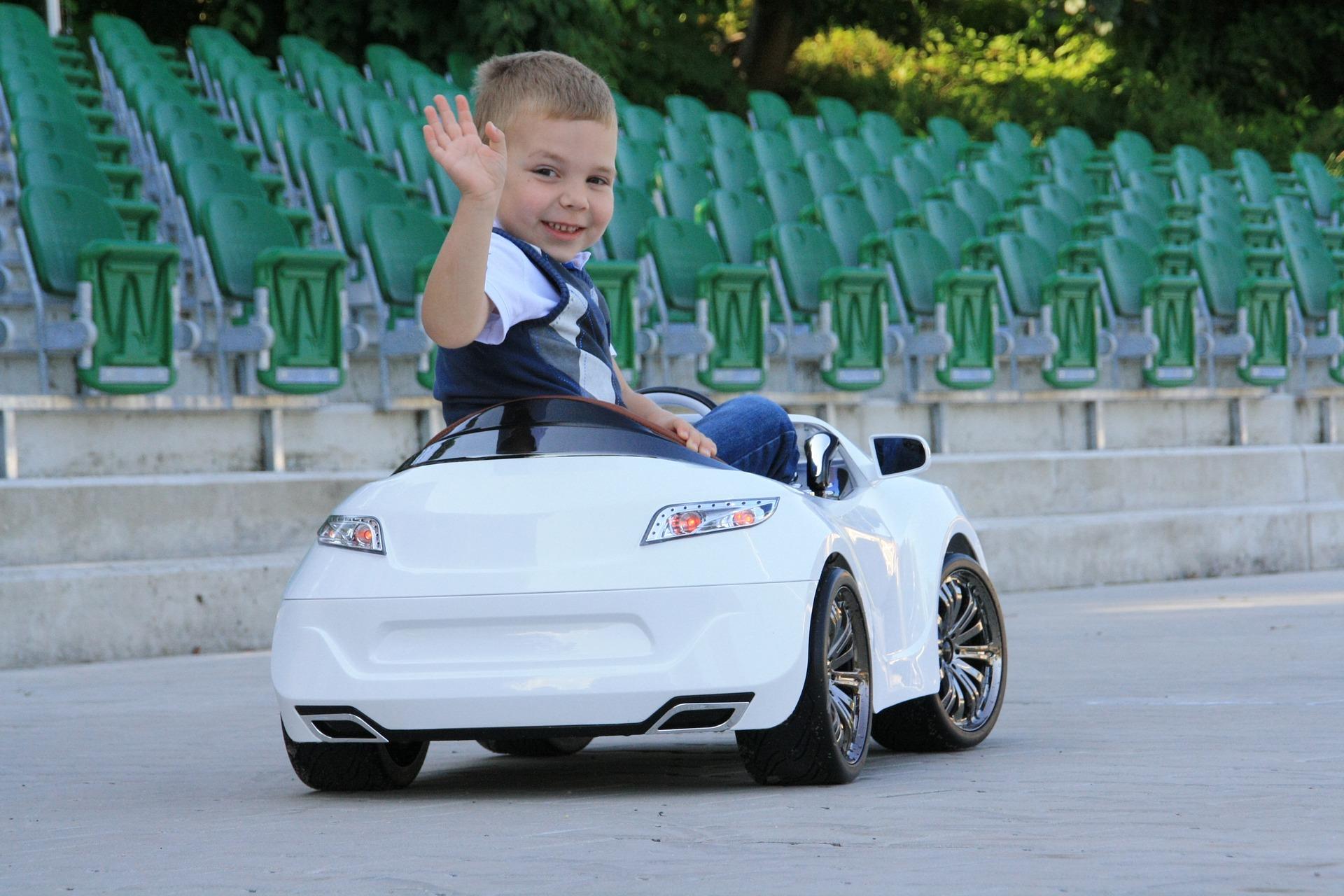 La voiture électrique pour enfant : le nouveau jouet à la mode